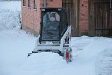 Skottar snö med Bobbis!