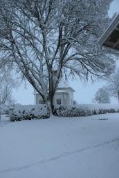 Broby Kapell i vinterskrud