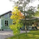 Broby Skola i tidig höstskrud