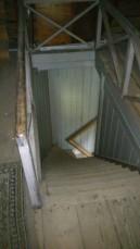 Den gamla trappen som var i huset när vi köpte de. Den rev vi senare på grund av dåligt skick. Men vi sparade trappräcket.